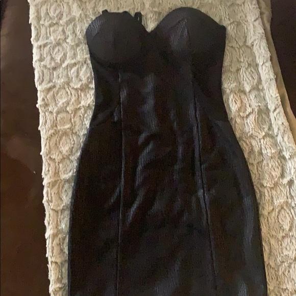 Dresses & Skirts - Black faux snake skin mini dress zipper back